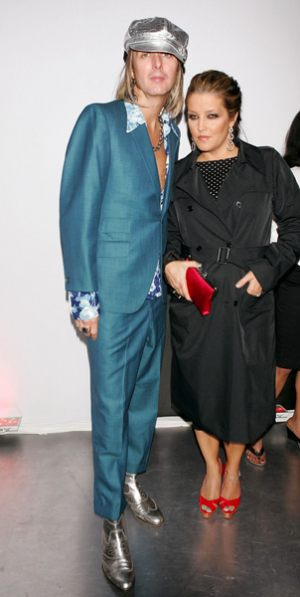 lisa_marie_presley_michael_lockwood_blue_suit